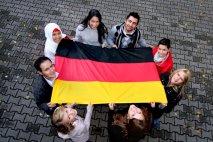 آلمانی مورد نیاز است – اما نه همیشه